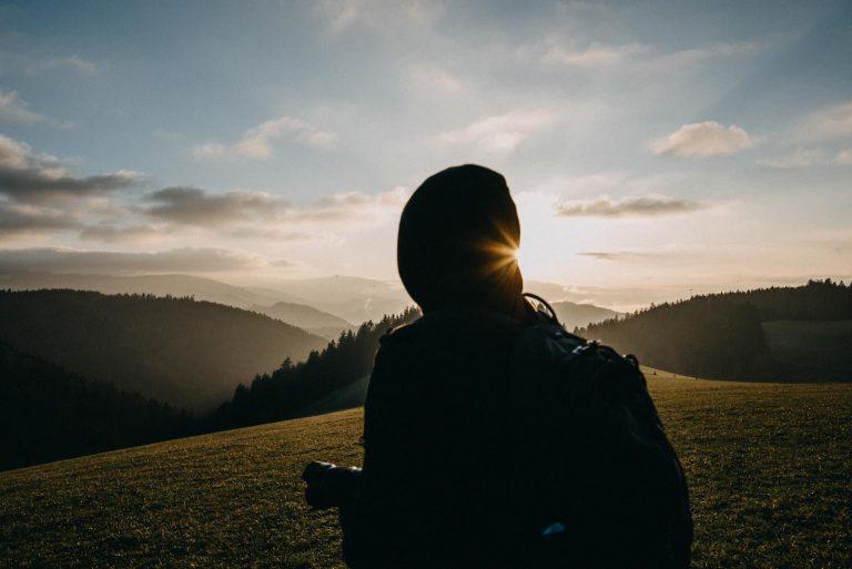 Schluchsee Schwarzwald Person auf Berg